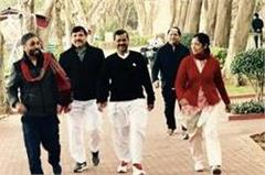 bhagwant mann  arvind kejriwal s photo on official fb page fuels speculation