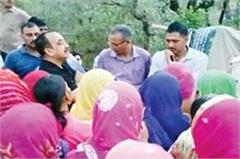performance of woman power in parour  again overthrown the liquor shop
