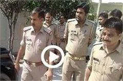 masked crook robbed with rs 9 lakh from manager
