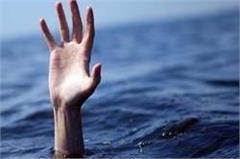 girlfriend laps leap in gandak canal  missing