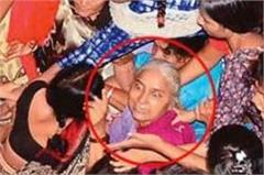 medha patkar has been forced by police from the place fast