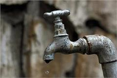 the supply of water in the town has been snapped for 36 hours