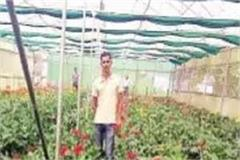surendra earns lakhs of flowers from farming