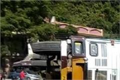 overloaded trolley at nh 7