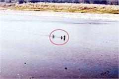 when children stranded in river mother saved like this