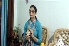 babita returned from winning gold medal from malaysia demanded from government