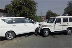 innova car from amritsar and ran 1 out of 2 youths