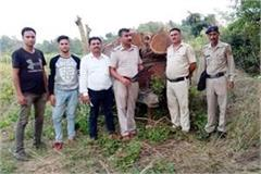 loaded with wood tractor trolley caught 3 arrested