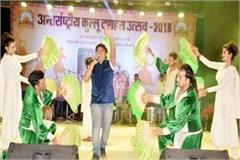 kullu dussehra  playback singer purn shiva perform in first evening