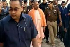 cm yogi made a police inspection of the police line stirred officials