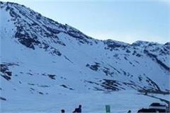 rohtang pass closed after snowfall