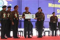 chief of the army staff felicitates the disabled soldiers