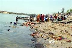 2 youths dead during to preparing for chhath pooja