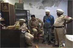 police foiled illegal godown of firecrackers near pratap bagh