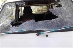 kumar hatti road car glass break