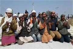 before the kumbh mela muslim community presenting example