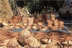 artisan getting compliment from andhra pradesh