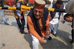 bareilly pictures of railway act violation by minister suresh khanna