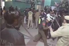 police sticks charge in sahara mall of gurujram