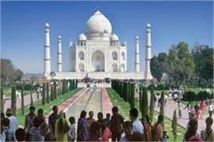 tourists can stay at taj mahal only for 3 hours