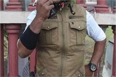 ghaziabad 10 kg of gold smuggled by traders in mumbai police uniforms