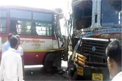 robust clash of roadways bus and truck 3 people s painful death