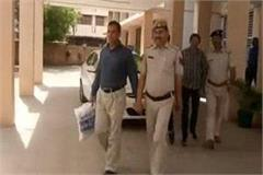 the thief arrested for allegedly duping himself as sp of delhi police