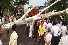38 killed 50 injured in up storm cm yogi gave instructions to all dm