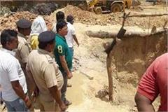 during excavation two laborers buried under soil one killed