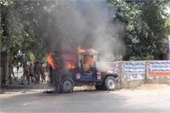 allahabad angry students stormed the police station