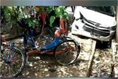 over speed car crashed a rickshaw in jabalpur