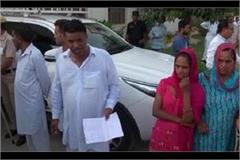 people craved to give their complaint to cm manohar lal in the passerby program