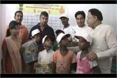 minister vipul goyal appeals do not do child labour for some money