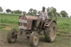 this handicapped farmer can drive tractor without arms