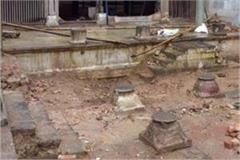 indore holkar time stairs found in rajwad digging indore