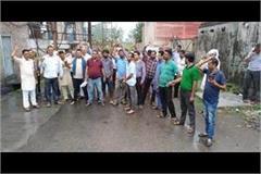 truck union of sansarpur tares demonstrate in front of factories