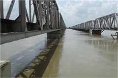 increase in water level of rivers in gonda with increasing rainfall danger