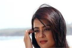 bollywood actress surwin chawla in not still not advance bail