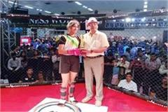 himachal s daughter shine in delhi won gold in mix martial art fight