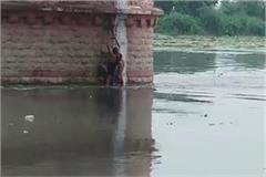 yamuna floods threat administrative officials continue high alert