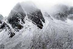 snowfall at rohtang s high peaks including baralacha