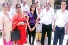cm s wife reached nerchowk medical college for admission of daughter