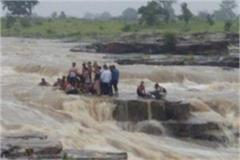 rescue of 45 people in shivpuri