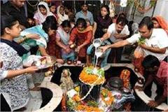 second monday of sawan devotees of devotees in temples