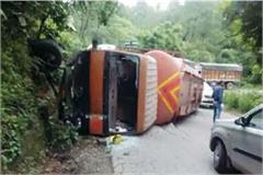 uncontrolled bogie overturned on chandigarh manali nh driver absconding