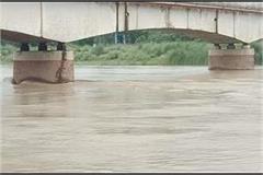 rapti and mountainous streams in balrampur deepen the flood crisis