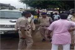 police constable clashes to rescue the accused