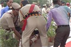 3 police constable unconscious in independence day program