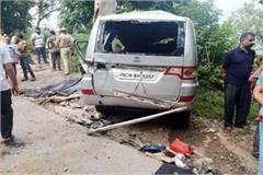 painful incident car collided with tree death of 4 3 injured