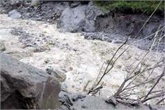 floods in surcha nala of bhava valley by cloudburst contact cut of 2 village
